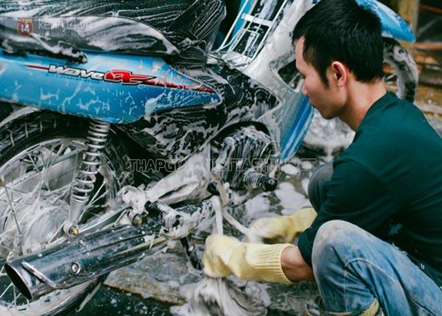 Vệ sinh cho xe máy thường xuyên