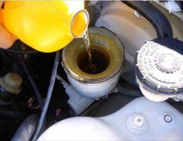 Hướng dẫn thay dầu phanh ô tô đơn giản, hiệu quả